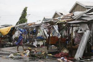 Thông tin thit hi v ngi u tiên sau khi siêu bão Mangkhut càn quét Philippines