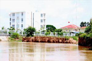 Đồng bằng sông Cửu Long: Rộ sạt lở bất thường trái mùa