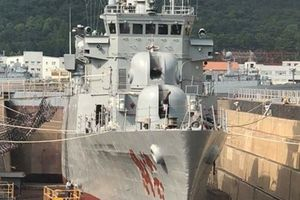 Hàn Quốc tu sửa tàu Pohang làm quà tặng