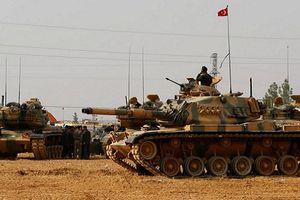 Hàng trăm xe tăng thiết giáp Thổ Nhĩ Kỳ tràn sang Idlib
