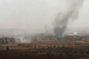 Bị quân nước ngoài bất ngờ 'đánh úp', Syria quyết liệt chống trả