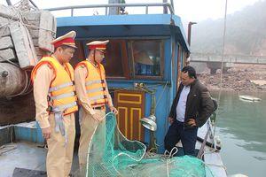 Xử lý 48 trường hợp khai thác thủy sản bằng hình thức tận diệt