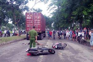 Trên đường về quê ra mắt, cô gái bị container tông tử vong
