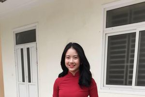 Cô giáo Nghệ An bất ngờ được cư dân mạng săn lùng vì sở hữu giọng hát ngọt ngào cùng ngoại hình vô cùng xinh đẹp sau clip cover