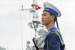 Một ngày với lính biển