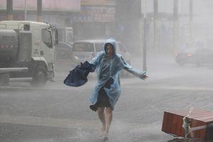 Siêu bão Mangkhut đổ bộ Trung Quốc