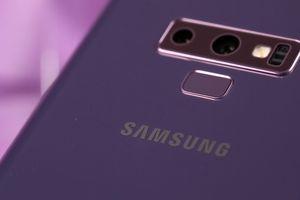 Galaxy Note 9 bất ngờ bốc cháy trong ví một phụ nữ