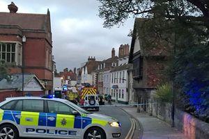 An ninh Anh phong tỏa khu vực xảy ra nghi án đầu độc cựu điệp viên Nga