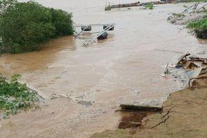 Vĩnh Long: Liên tiếp xảy ra nhiều vụ sạt lở bờ sông