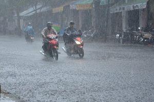 Bão Mangkhut suy yếu, Hà Nội giảm 6 độ