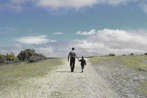 Con cái thành đạt là món quà vô giá của cha mẹ