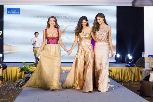 M Linh, Ngc Hân  sc cùng top 3 Hoa hu Áo 2018