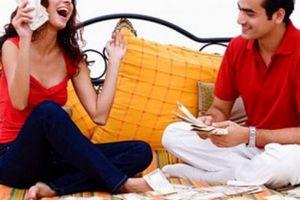 Lý do chồng khuyến khích vợ tiêu tiền