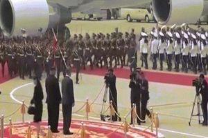 Video toàn cảnh lễ đón đặc biệt của Kim Jong-un dành cho Tổng thống HQ