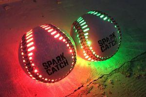 Chơi bóng chày vào ban đêm