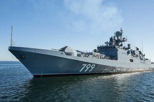 Vượt qua lệnh trừng phạt của Mỹ, Ấn Độ chi 2,2 tỉ USD mua tàu chiến Nga