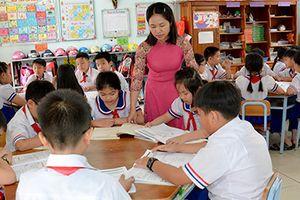 Tạm dừng giảng dạy giáo viên vi phạm đạo đức nhà giáo