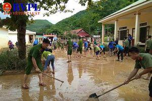 Nghệ An: Lũ quét ập về nửa đêm, học sinh chạy tán loạn