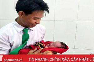 Tài xế taxi Hà Tĩnh đỡ đẻ thành công cho sản phụ trên xe