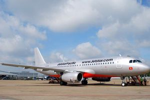 Máy bay hạ cánh khẩn cấp xuống Tân Sơn Nhất vì hành khách quốc tịch Mỹ lên cơn đau tim
