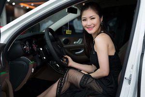23 tuổi, Hương Tràm sở hữu tài sản kếch xù với biệt thự, xe sang, đồ hiệu