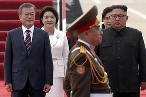 Ông Kim Jong-un ra sân bay đón Tổng thống Hàn Quốc