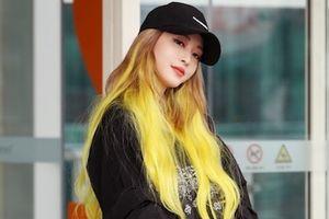 Mỹ nhân showbiz Hàn Quốc nổi bật ở sân bay với mái tóc khác lạ