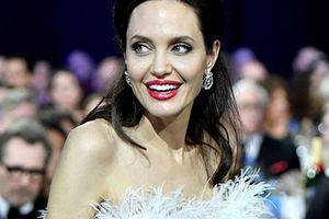 Báo Australia đưa tin Angelina Jolie sắp cưới bạn trai tỷ phú