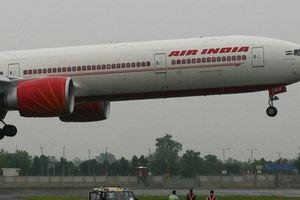 Phi công Ấn Độ cứu 370 mạng người trong gang tấc