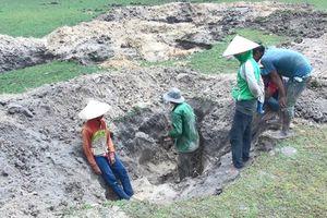 Kiểm tra tình trạng khai thác đá đen ở Phú Yên
