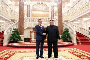 Sau cuộc gặp kín, ông Kim-Moon công bố bước 'nhảy vọt' về phi hạt nhân hóa