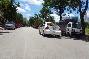 TP.HCM: Cư dân bất an vì đường nội bộ biến thành bãi tập lái xe trái phép