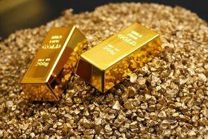 Giá vàng trong nước ngược chiều với giá vàng thế giới