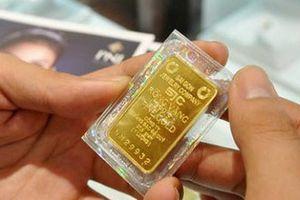 Lo bất ổn kinh tế thế giới kéo dài nhiều năm, nhà đầu tư quay lại nắm giữ vàng