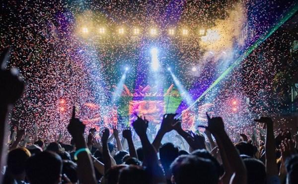 Có gì đằng sau những lễ hội âm nhạc lớn nhất nhì thế giới?