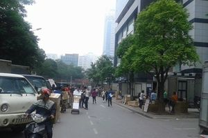 Dân tố bị hành hung vì đỗ xe ở chợ thuốc Hapulico