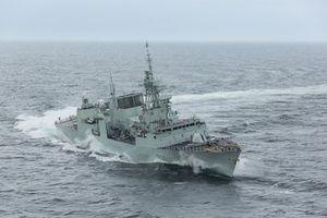 Tàu chiến Canada vượt 12.000km diễn tập trên biển với Việt Nam