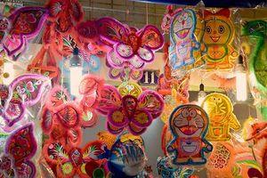 TP Hồ Chí Minh: Lồng đèn thủ công truyền thống đang 'hồi sinh'