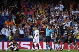 Ronaldo nhận thẻ đỏ, Juventus vẫn thắng đẹp Valencia