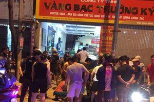 Đã bắt được cả 3 đối tượng đi ô tô mang theo súng xông vào tiệm vàng ở Sơn La