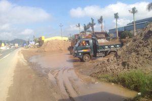 Lạng Sơn: 'Hô biến' hành lang QL 1A thành nơi kinh doanh vật liệu xây dựng