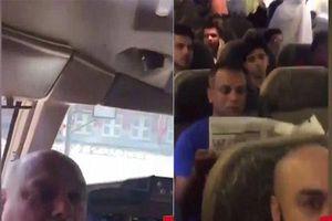 Phi công đánh nhau với tiếp viên, hàng trăm hành khách bị trễ chuyến