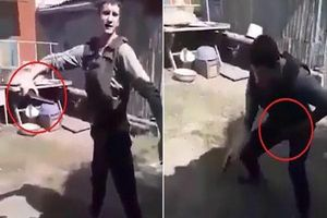 Tự bắn súng vào bụng để kiểm tra áo chống đạn, nam thanh niên gục xuống đất đau đớn