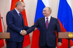 Đối sách của ông Putin giữa sóng gió Syria
