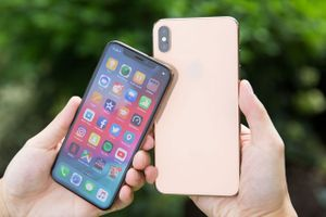 Clip: Mở hộp iPhone Xs và iPhone Xs Max