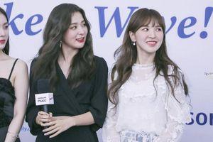 Fan thở phào vì cuối cùng thì stylist của Red Velvet cũng cho nhóm ăn mặc tử tế