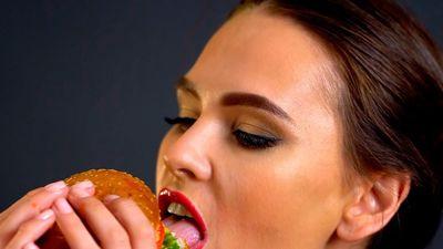 Robot biết làm bánh mì burger ở Mỹ có gì đặc biệt?