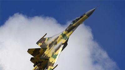 Su-35 Nga mạnh mẽ đến nhường nào mà đòi 'vít cổ' F-35 Mỹ?
