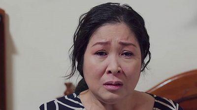 Gạo nếp gạo tẻ tập 60: Bà Mai khóc nghẹn vì con gái không quan tâm mình