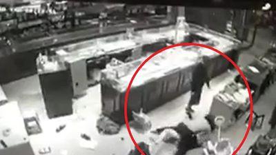 3 kẻ đi ô tô cướp tiệm vàng ở Sơn La